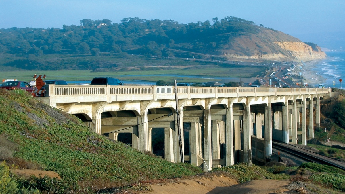 The Beautiful North Torrey Pines Road Bridge);